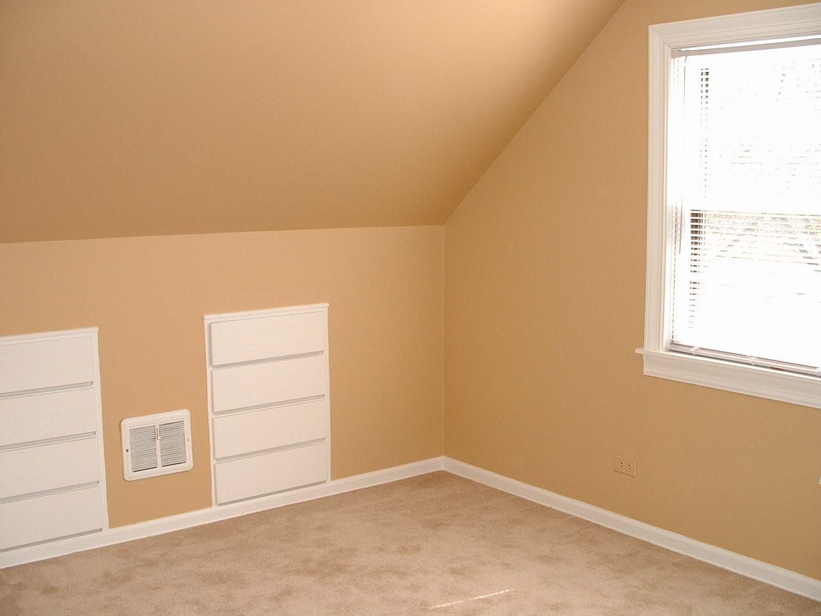Bedroom Paint Colors Interior 1600 x 1200
